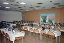 Bord och stolar finns i ett angränsande rum cirka 0 (noll)m från själva festlokalen. Och så här ser lokalen ut när den är rustad för fest, i detta fall Wartas 70-års jubileum